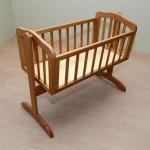 Παιδικό λίκνο από μασίφ ξύλο οξυά (κωδ. κπ 206)